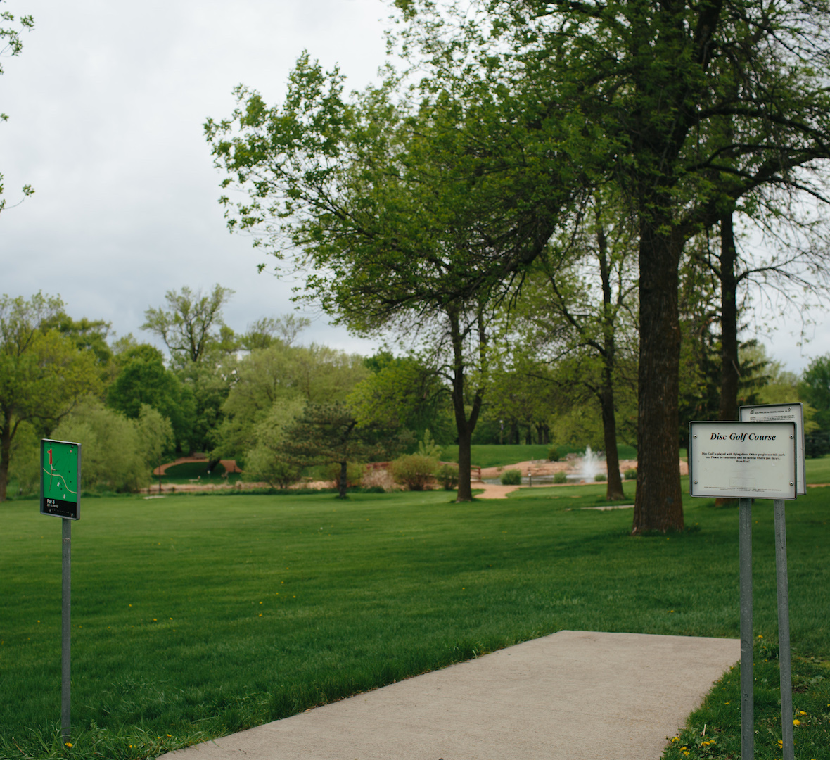 disc golf crown course in crown college